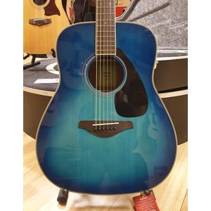 SECONDHAND Yamaha FG820 Trans Blue inc Yamaha/ Hiscox case