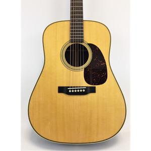 Martin HD28 - Standard Series Acoustic Guitar