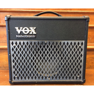 SECONDHAND Vox AD15VT 15w Guitar Amp with FX