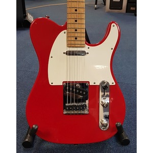 SECONDHAND Peavey Reactor Single Cut Electric Guitar in Red. Noiseless Pickups and Locking Machines.