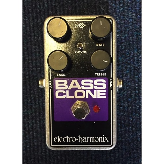 SECONDHAND Electro Harmonix Bass Clone Chorus pedal